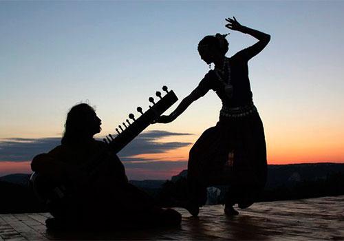 Искусство и наука индийской музыки