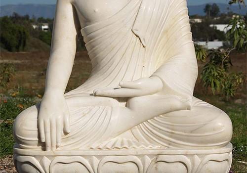 Девятнадцатая сутра из Вигьяна-бхайрава-тантры: «Сиди только на ягодицах»