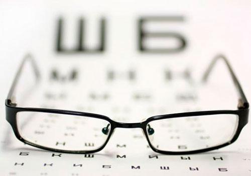 Пользование очками - надежный способ порчи зрения